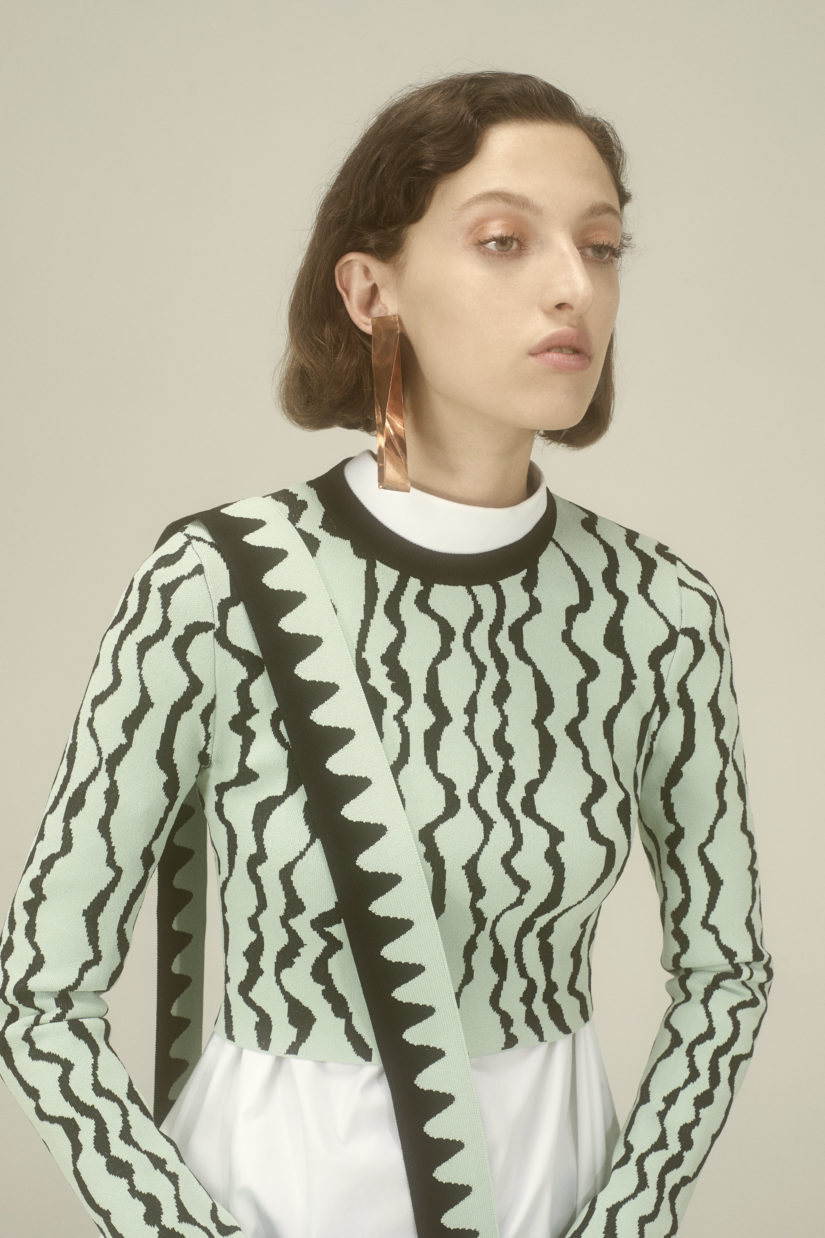 Squiggle Jacquard Cropped Pullover